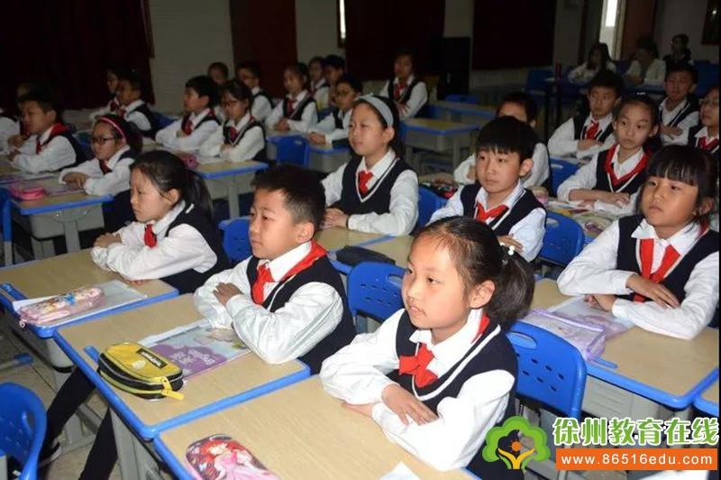 心有猛虎,细嗅蔷薇   民主路小学举行青年教师英语优质课大赛