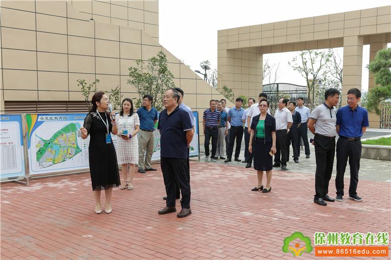 市人大代表到太行路小学视察学校建设民生项目